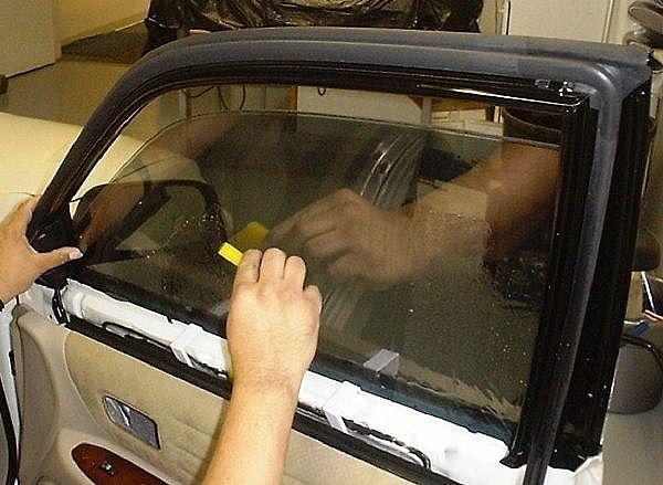 Тонировать стекла своими руками